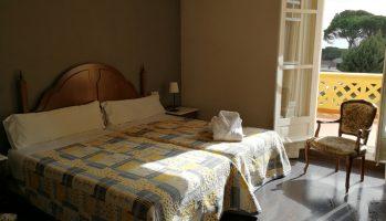 Habitación Doble Fachada Con Terraza de Junio a Septiembre