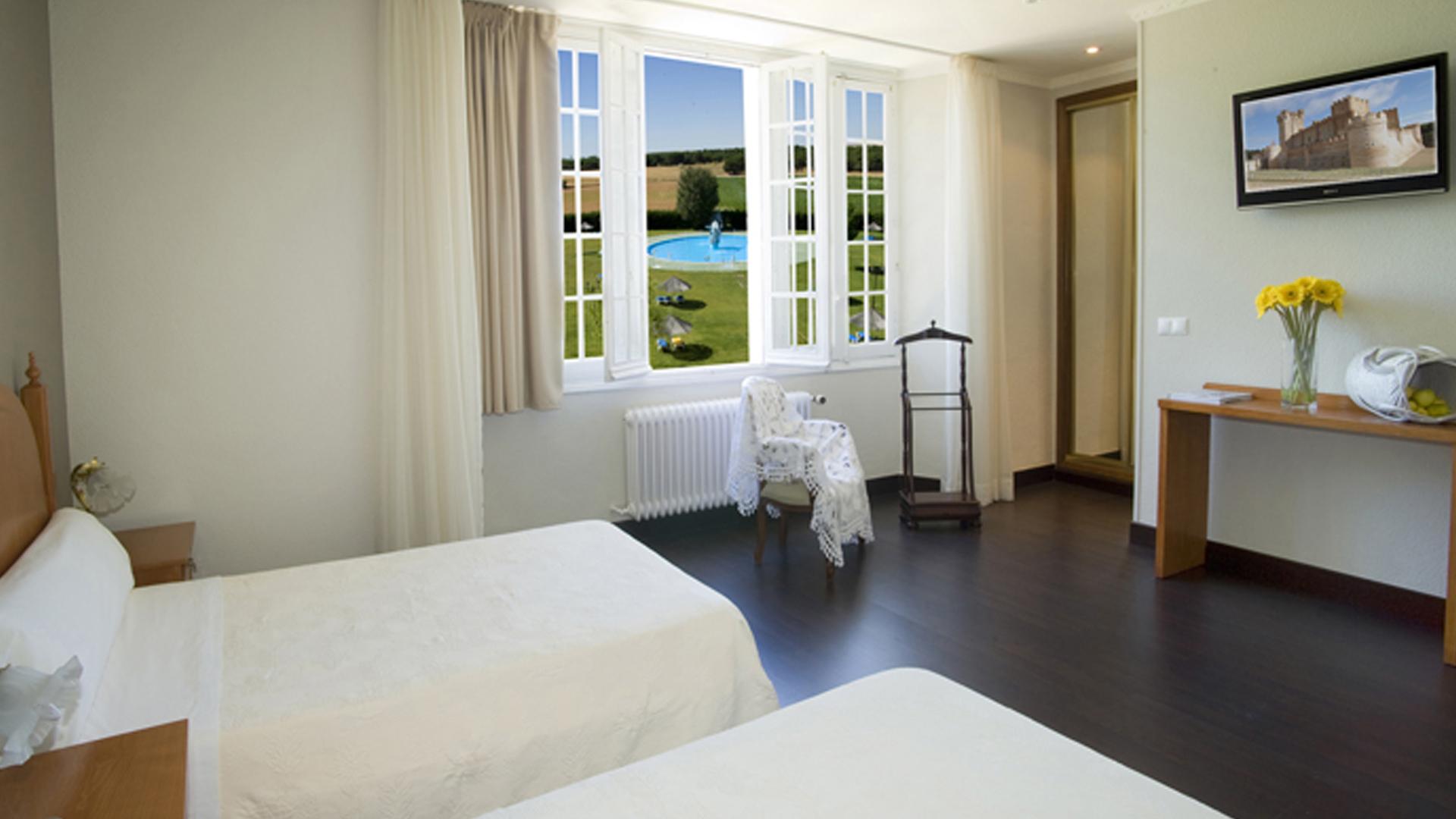 Hotel balneario palacio de las salinas habitaciones for Programa para amueblar habitaciones